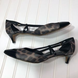 Moschino Cheap And Chic Kitten Heels Cap Toe Sz 38